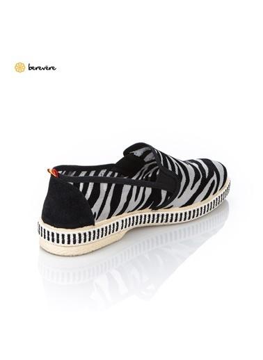 Berevere Ayakkabı Leopar